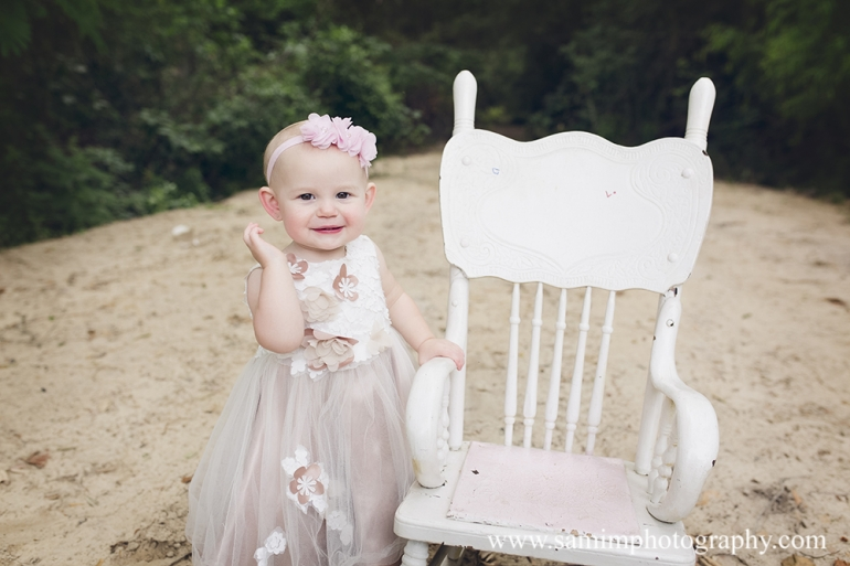 SamiM Photography First birthday session the sweet peach turns one